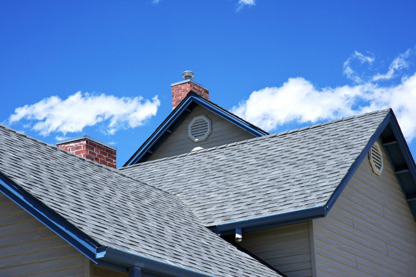 Get premium, long-lasting roofing materials